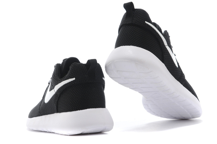 13be96fd0ce5 Nike nike Sail Run Black nike Roshe Footlocker pApBnf